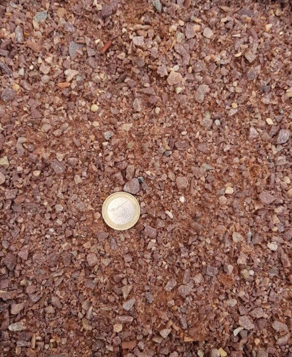 sable pétanque rouge